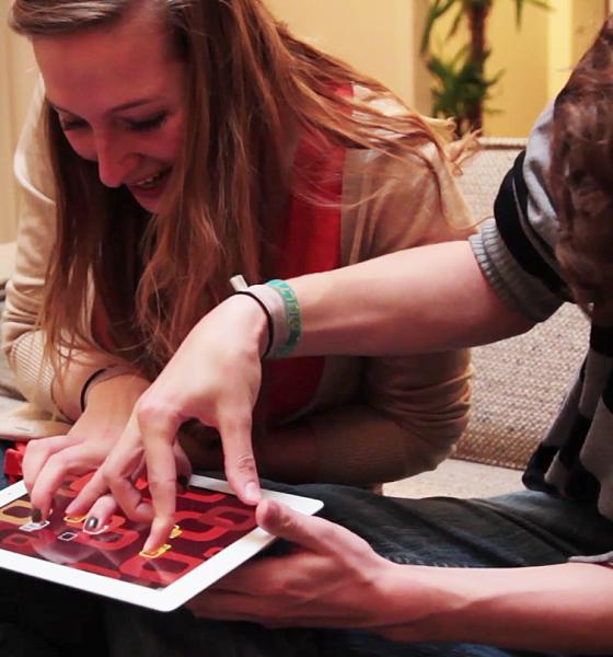 Tip til Valentinsdag: Skru op for flirten med to sjove spil