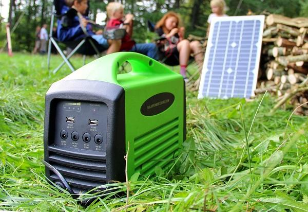 Solcelle-camping_kit_boern_braende