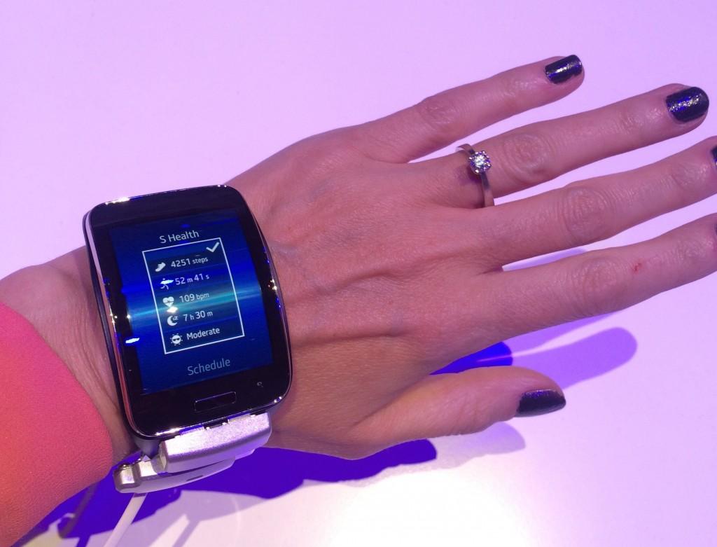 Christiane Vejlø prøver Samsung Galaxy Gear S