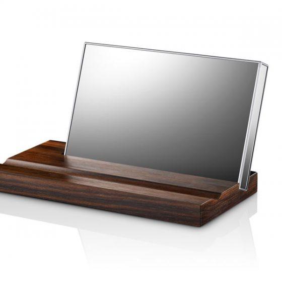 En harddisk, der kan bruges som makeup spejl