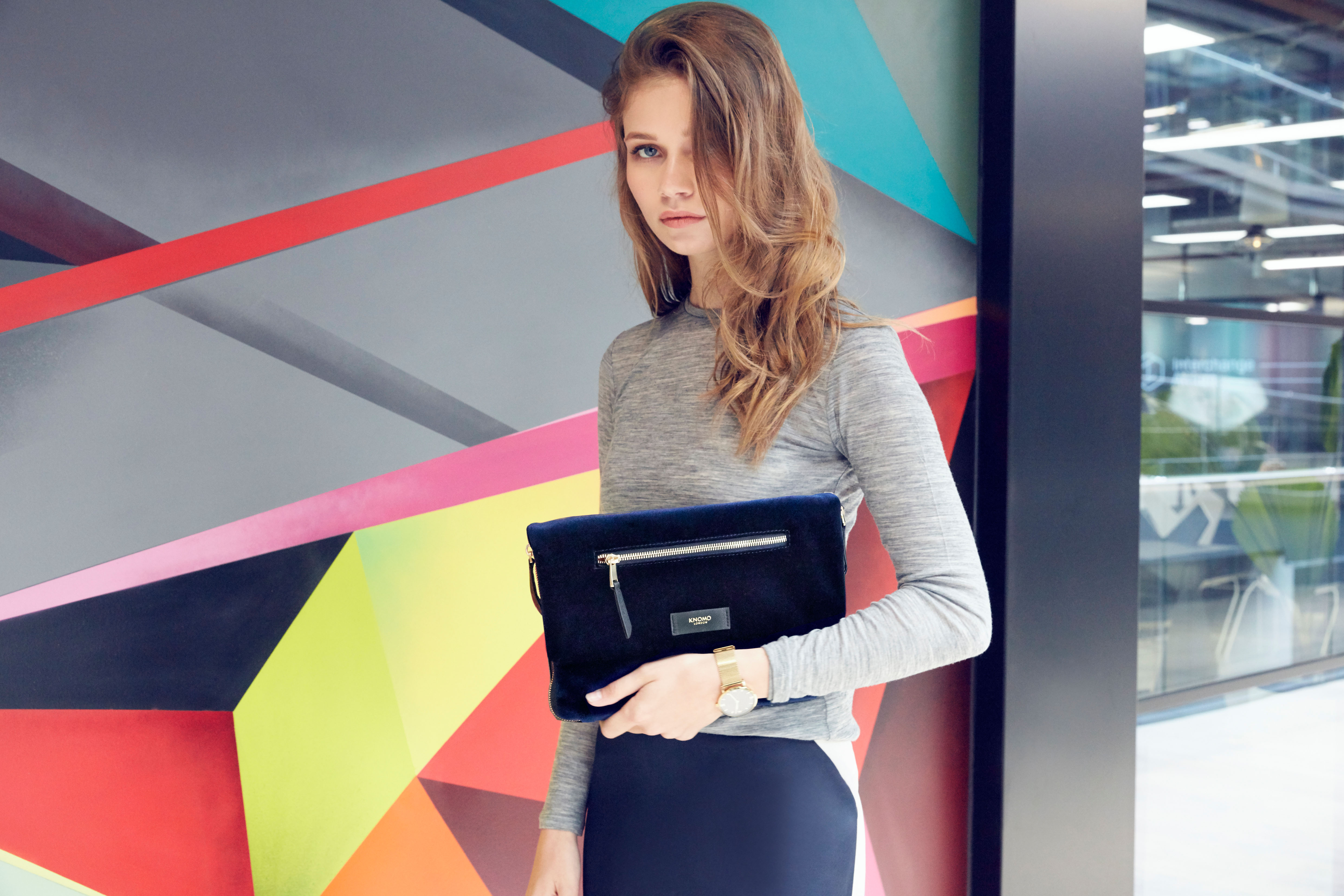 elektronista-clutch_velevt_midnight_aw16_look-book-images_1mb-1