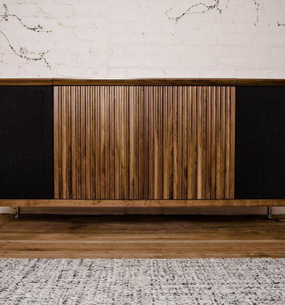 Stilfuld stereobænk til retro-fans