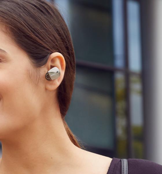 Sony in ear-høretelefoner giver musik, men tager støjen