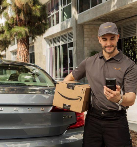 Amazon leverer pakker til bagagerummet i din bil