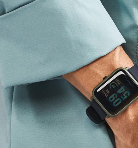 Superbilligt smartwatch til dig med Android