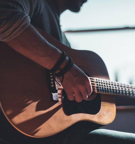 Sådan lærer du at spille et instrument på 10 minutter